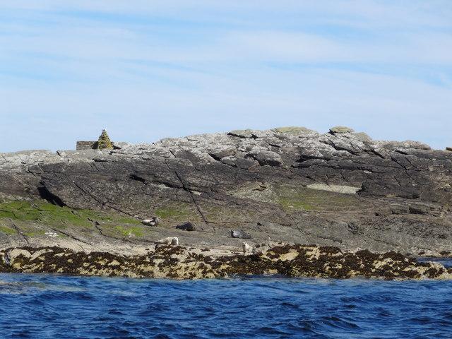 Bedrock foreshore and sheepfold, Wart Holm, Westray