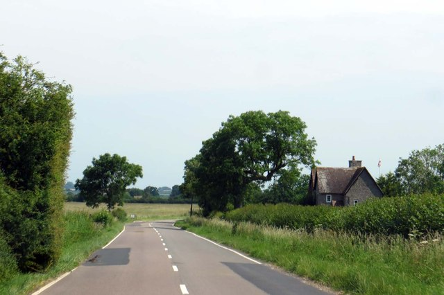 The road to Marsh Gibbon passes Essex Cottages