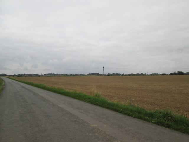 Bewholme  Lane  a  very  flat  landscape