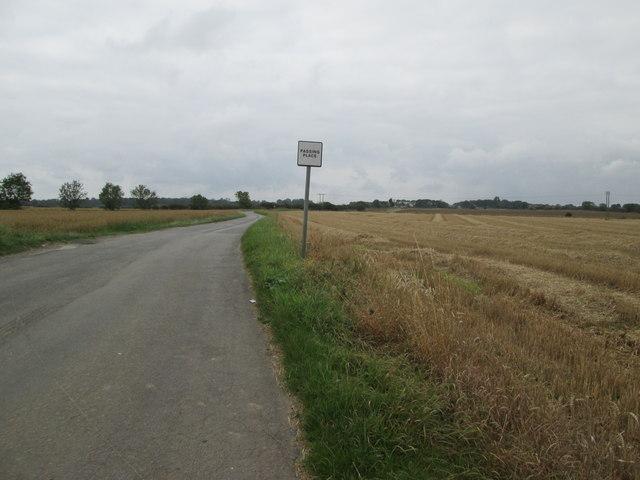 Bewholme  Lane  towards  Bewholme