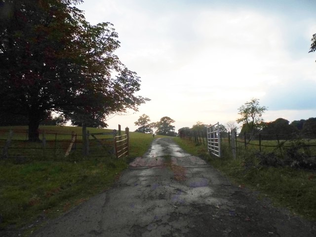 The entrance to Sandhills Farm