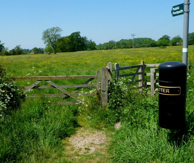 Gate to a public footpath south of Framilode