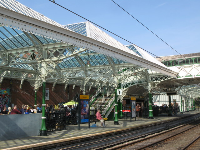 Tynemouth Metro station - Platform 1 (northbound)
