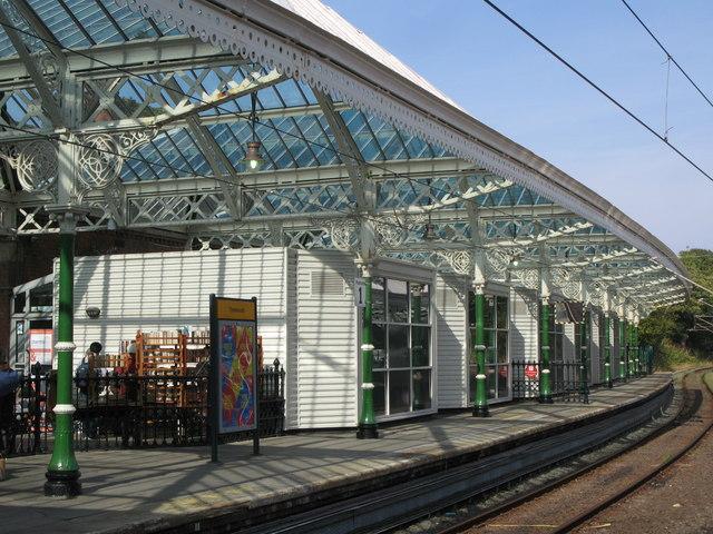 Tynemouth Metro station - Platform 1 (northbound) (2)