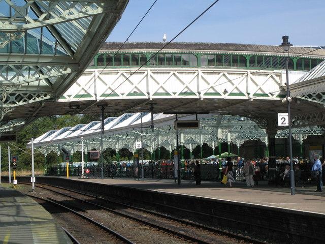 Tynemouth Metro station - footbridge