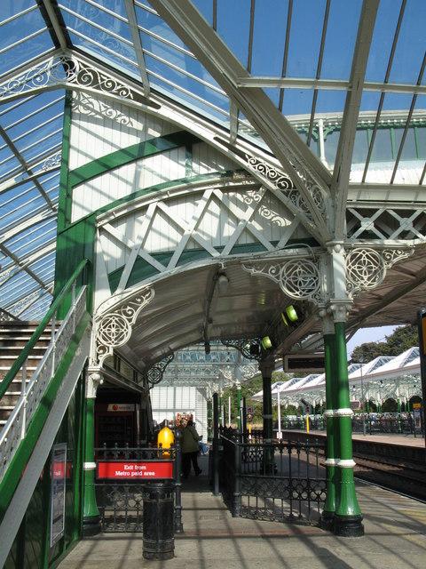 Tynemouth Metro station - footbridge (detail)