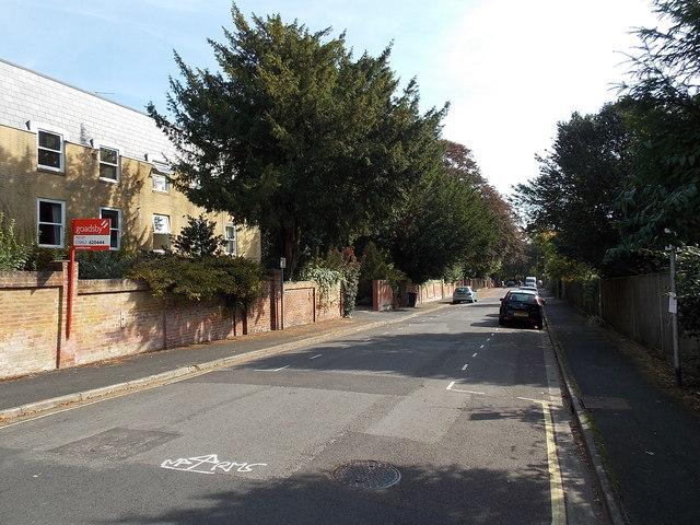 Barnes Close, Winchester