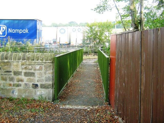 Footbridge over Glossop Brook