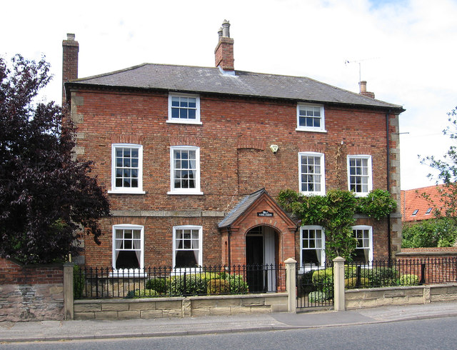 Collingham - Vine Farm on High Street