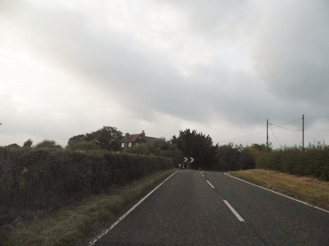 Bend on Outwood Lane