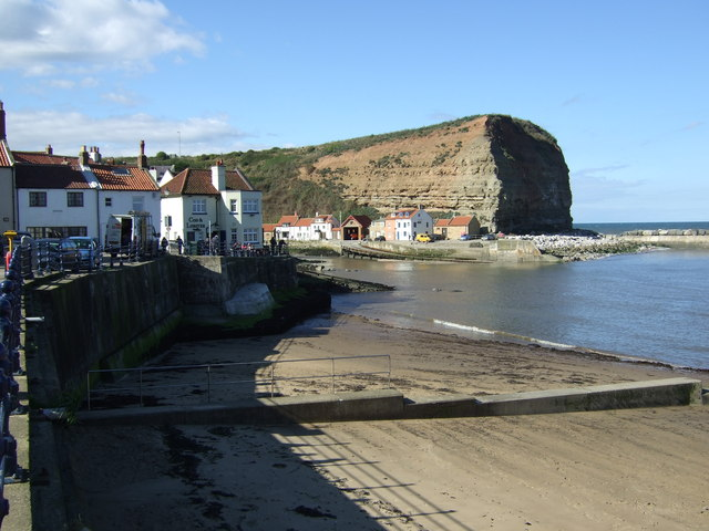 Beach and harbour, Staithes