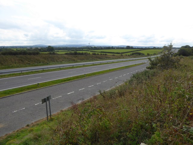 A30 dual carriageway in a cutting, by-passing Tregadillett