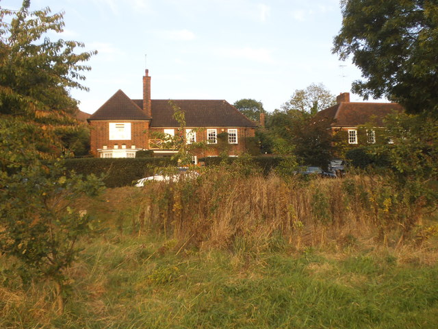 Houses on Wildwood Road from the Heath Extension