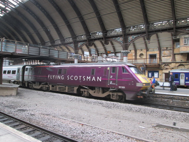 Flying  Scotsman  pulling  into  York  Station  north  bound
