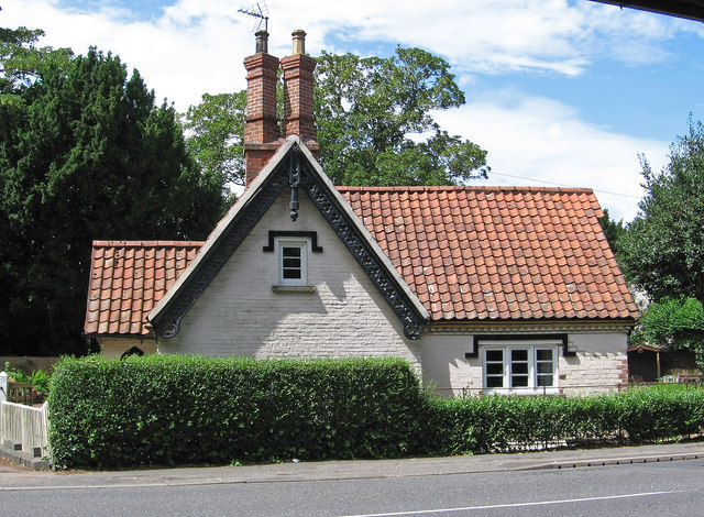 Collingham - lodge on west side of A1133