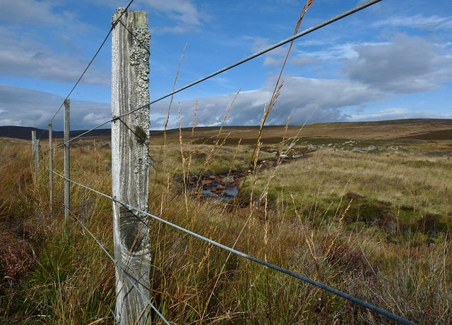 Fence beside the Allt na Lùibe, Sutherland