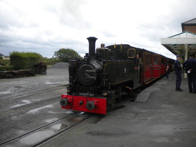 Train waiting to leave Tywyn Wharf