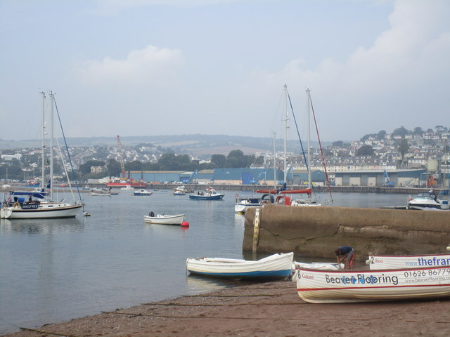 View towards Western Quay across the River Teign