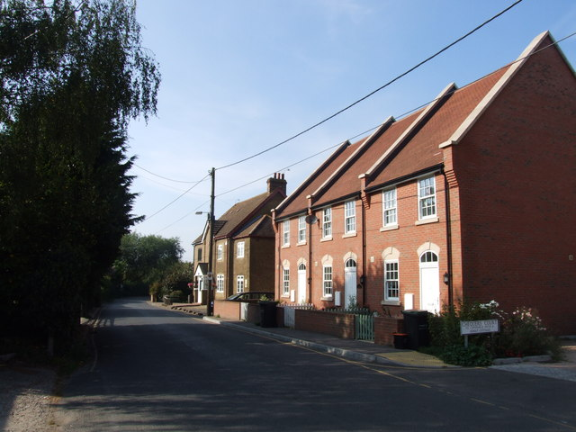 Canal Road, Higham