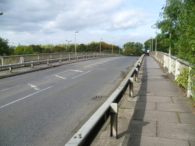 North Hyde Lane crosses the M4