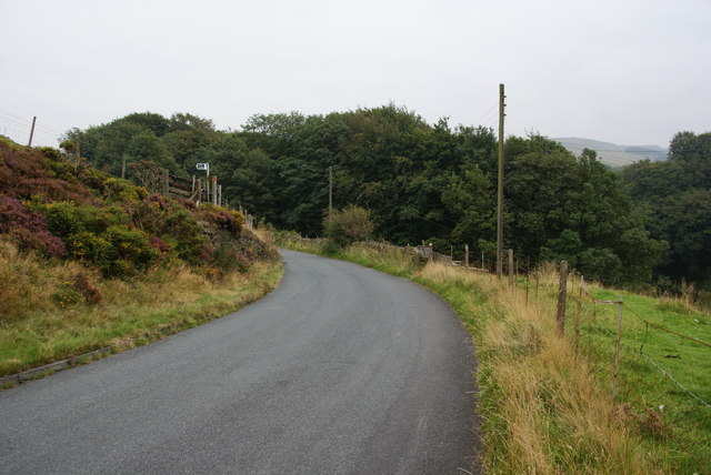 Footpath joining Bank Top Lane