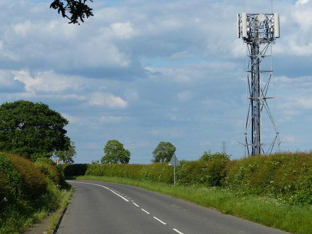 Communications mast along Smockington Lane