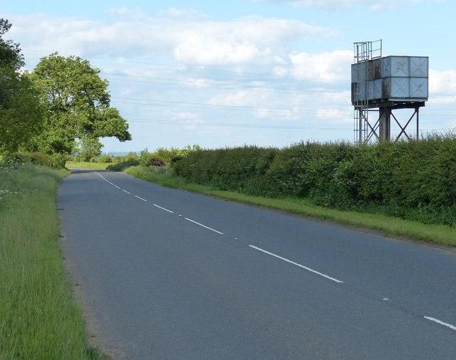 Small water tower along the B4114 Smockington Lane