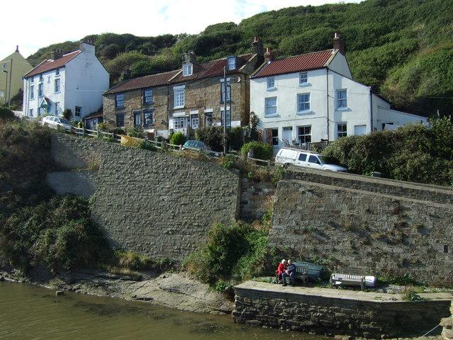 Cottages on Cowbar Lane