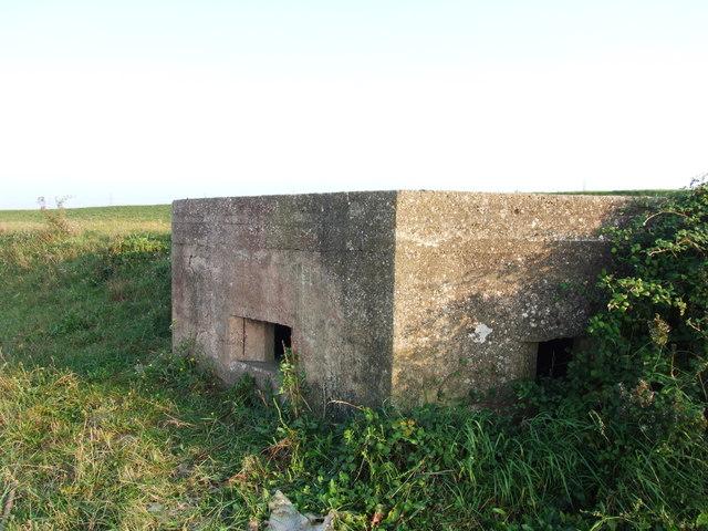 Pillbox near Shornmead Fort