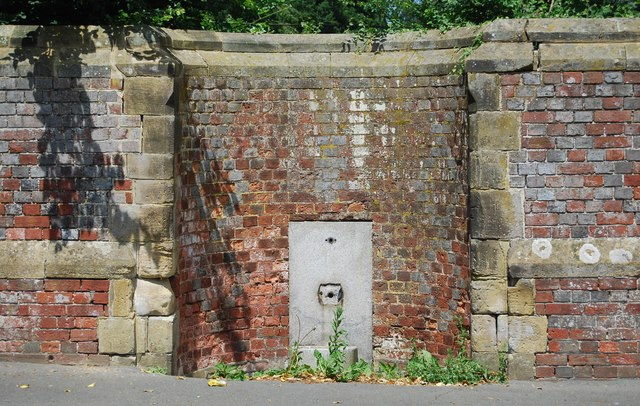 Disused water fountain
