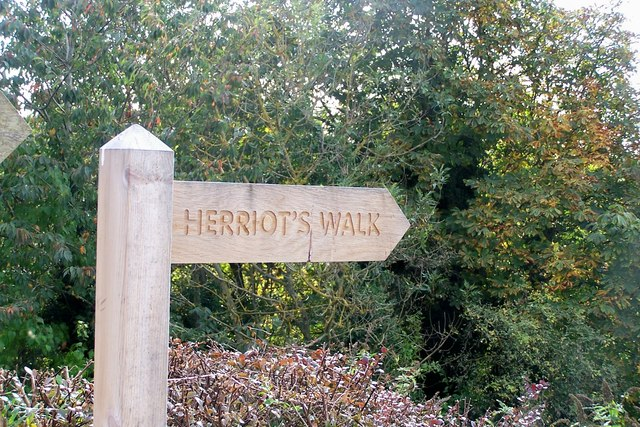 Signpost in Horncliffe
