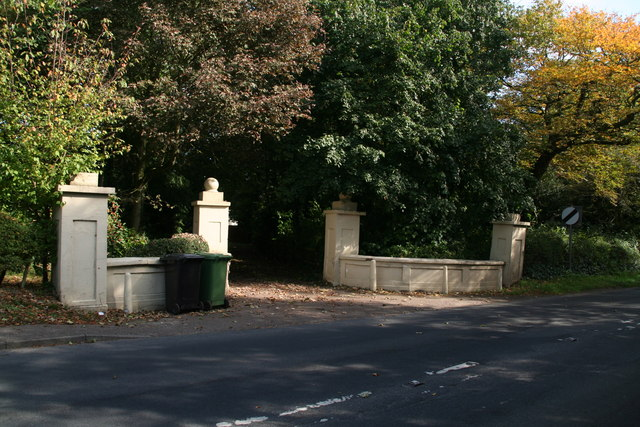 Edgefield Hill, Holt: entrance by Lodge Farm