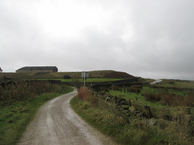Towards the junction south of Cobling Farm