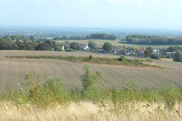 Ridge in farmland to East of Billinge Hill