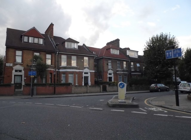 Darenth Road at the junction of Portland Avenue