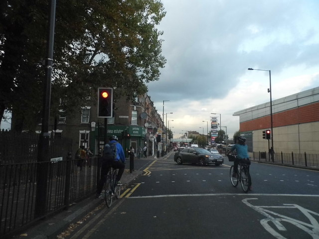 Green Lanes at the junction of Endymion Road