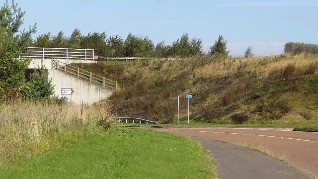 Split level junction, Mains of Ardestie