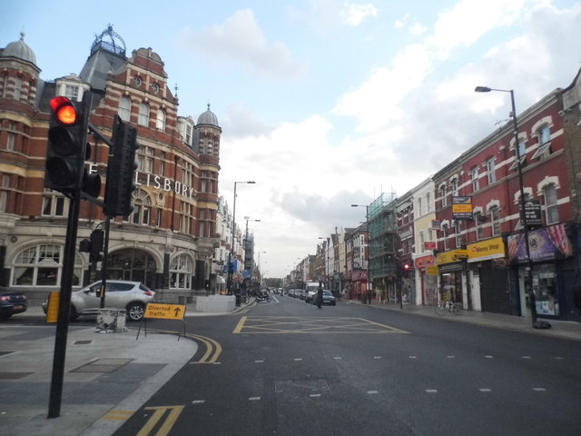 Green Lanes at the junction of St Ann's Road