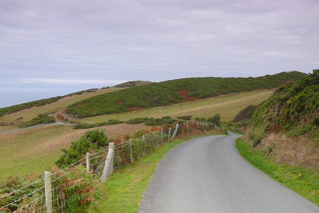 Ffordd i Barc Carafanau Morfa Bychan / Road to Morfa Bychan Caravan Park