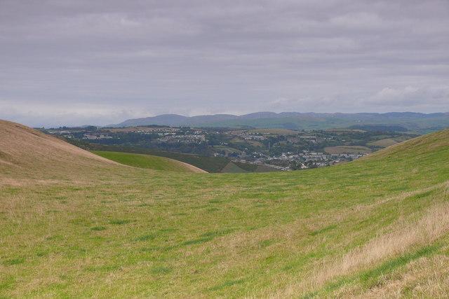 Golygfa oddi ar Lwybr Arfordir Cymru / A view from the Wales Coast Path