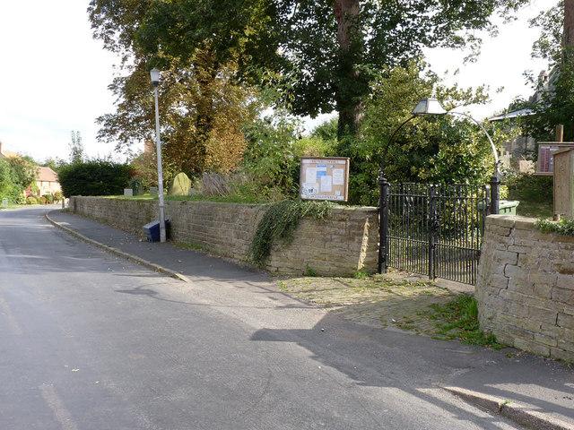 Churchyard wall, Sturton le Steeple