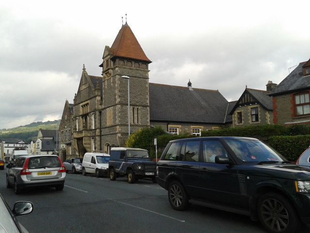 The A40 passing through Crickhowell