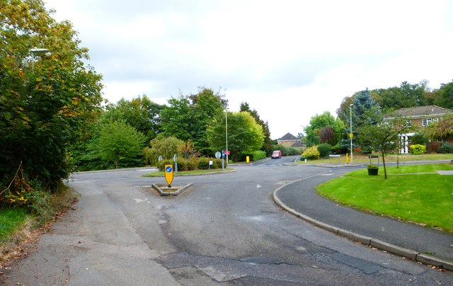 Small roundabout on Woodside