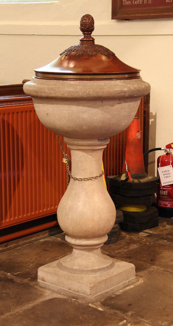 St Thomas of Canterbury, East Clandon - Font