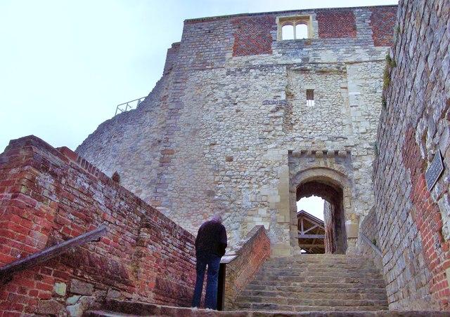Farnham Castle, Gatehouse