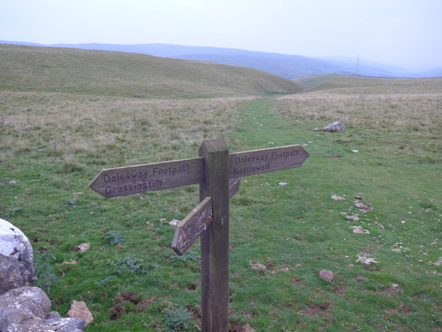 Dales Way trek from Bolton Abbey to Pinder Stile (227)
