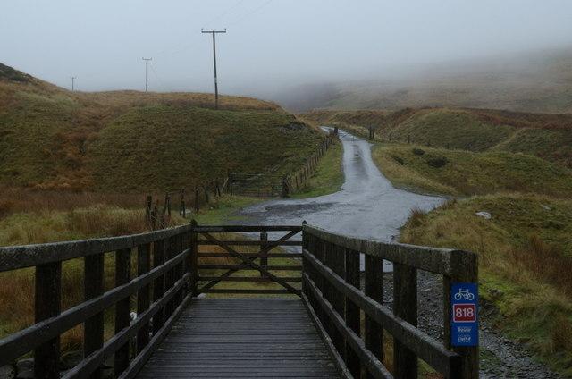 Afon Diliw footbridge and lane beyond
