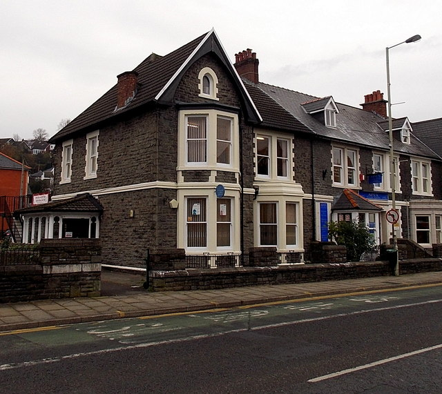 citizens advice bureau in pontypridd 169 jaggery cc by sa 2 0 geograph britain and ireland