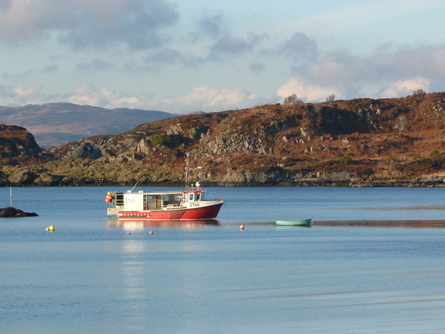 Fishing boat in Carsaig Bay