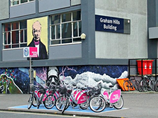 Location de vélo à Glasgow : Station NextBike près de l'Université.